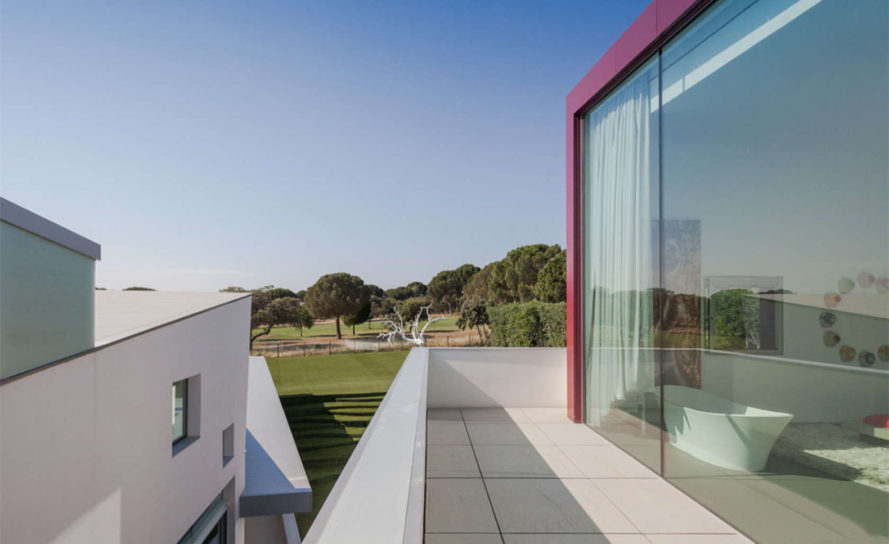 House H, luxury villa, Madrid, Abiboo Architecture, patio, natural light, green architecture, white stucco