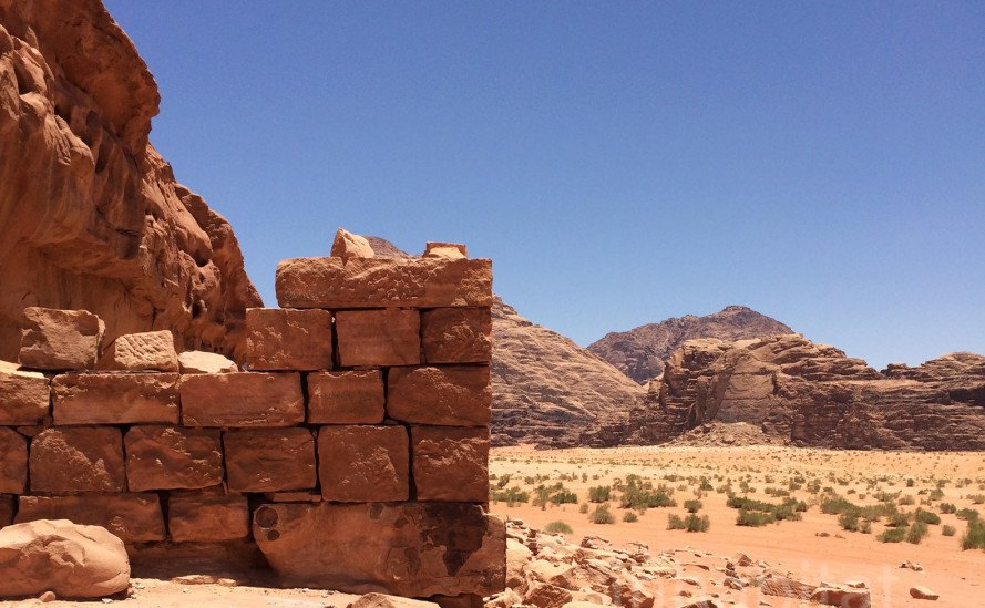 surviving the desert, water management in the desert, Petra, Visit Petra, the Nabateans, Nabatean water management, Nabatean agriculture, Nabatean architecture, The Treasury, Nabateans in the Arabian Desert, nabatean hydraulic engineering
