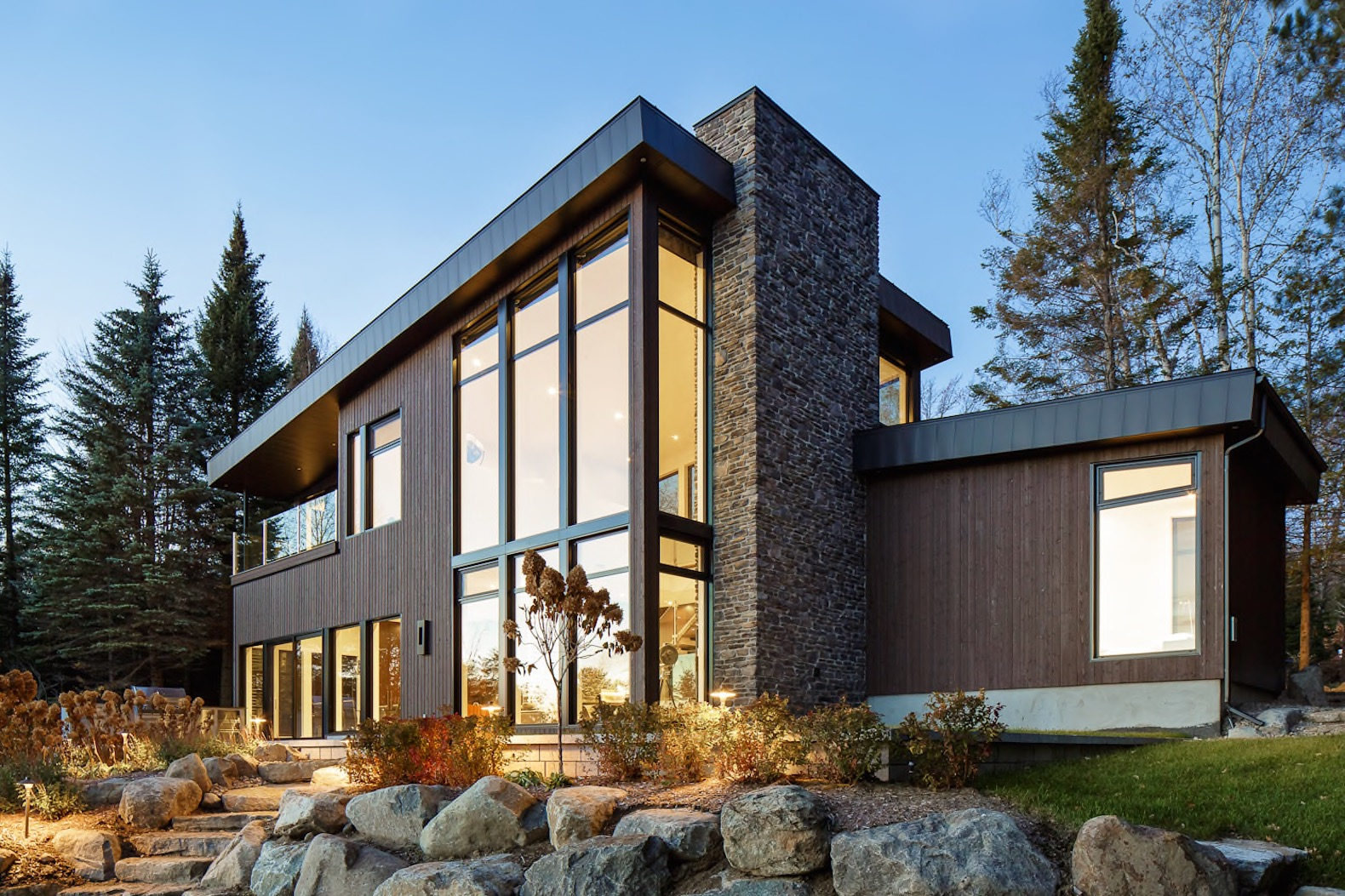 Luxurious Net Zero Stanford Home Features An Earthquake Resistant Steel  Frame