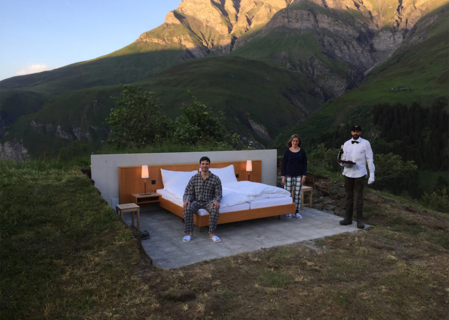 Null Stern hotel room, Null Stern no walls hotel, no walls no ceiling hotel, Null Stern Swiss Alps, Null Stern cost, Null Stern concept hotel, Null Stern Swiss Alps by Frank and Patrik Riklin