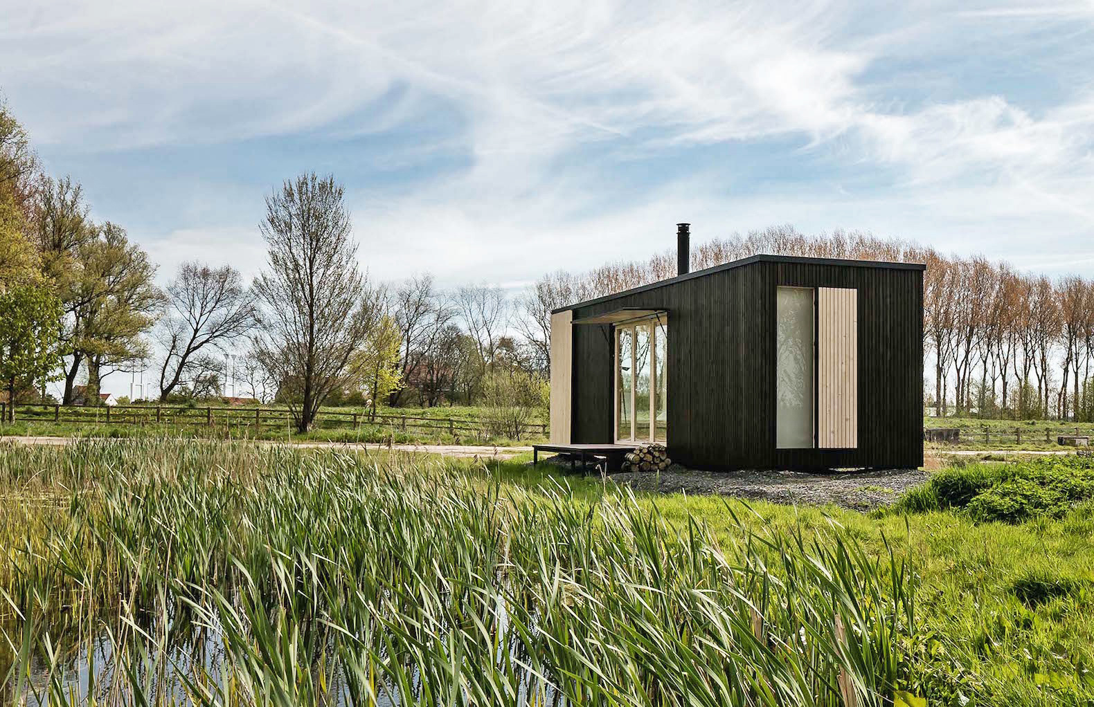 Prefab tiny house on wheels kits - Escape City Life In A Luxe Off Grid Cabin That Can Pop Up Almost Anywhere