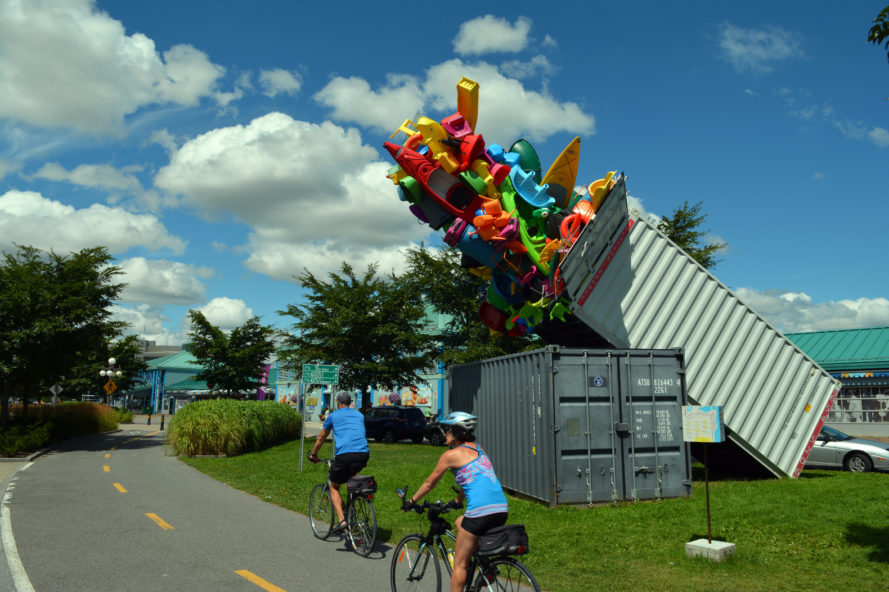 jose luis torres, canada, sculpture, art, artwork, public art, street art, plastic, plastic art, consumerism, canadian heritage, exmuro arts publics, works art and design festival