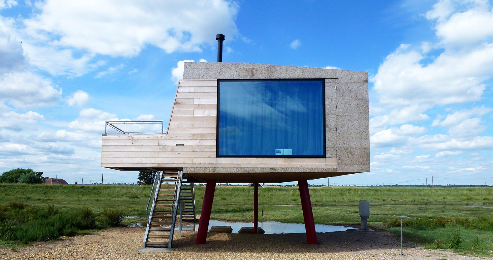 a tiny beach shack in essex wrapped in magic cork panels - Cork House 2016
