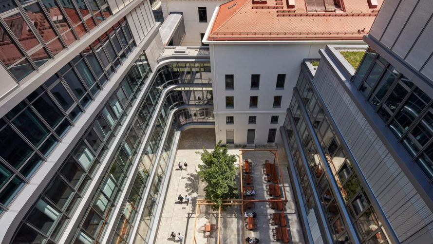 Siemens headquarters Munich, Henning Larsen Architects, green renovation, courtyard, Munich, LEED Platinum certification, floor-to-ceiling windows, natural lighting, intelligent building