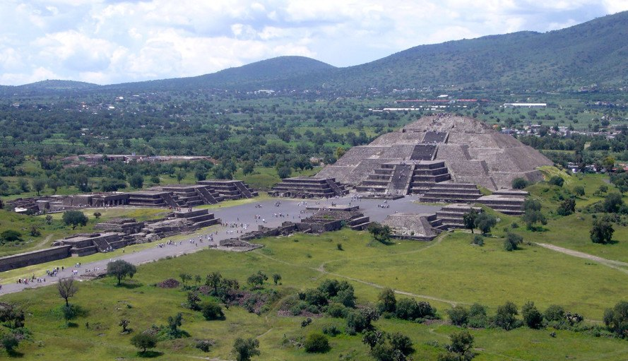 Teotihuacán, Mexico, Sergio Gómez, ancient city, ancient civilization, archaeology, tunnel, sealed tunnel, artifacts, Temple of the Plumed Serpent, pyramid