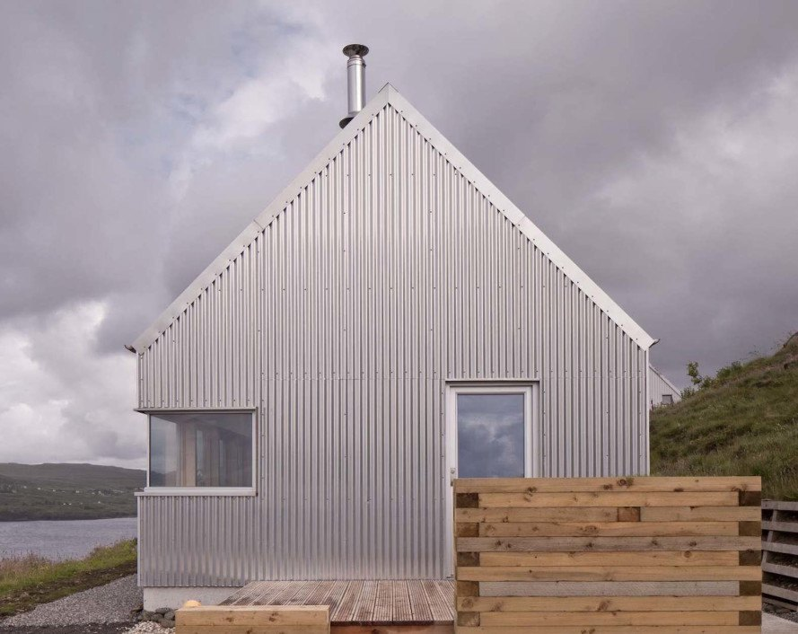 Tinhouse by Rural Design, Tinhouse on Isle of Skye, Tinhouse holiday home, Isle of Skye holiday home, aluminum architecture, metal clad Scottish architecture, contemporary Isle of Skye architecture