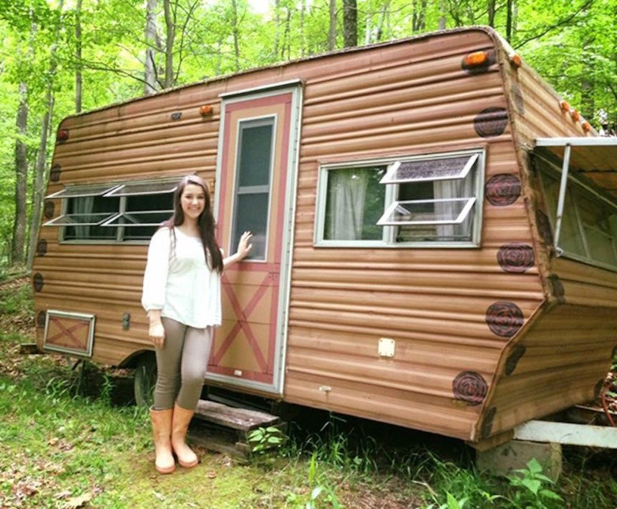 Teenager Turns A 200 Run Down Camper Into A Beautiful Cozy