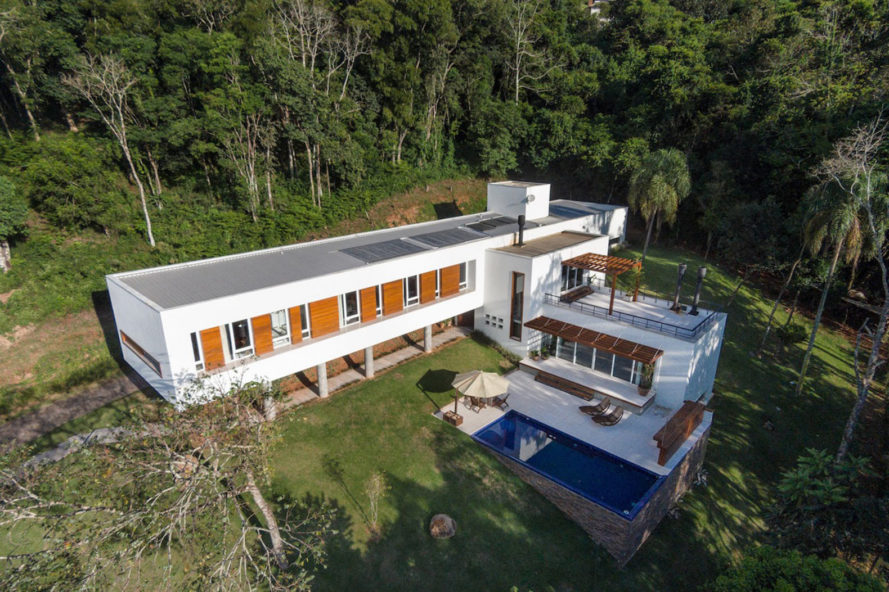House 4.16.3, Luciano Lerner Basso, Basso Engenharia, brazil, cantilevered house, pool, brazil countryside