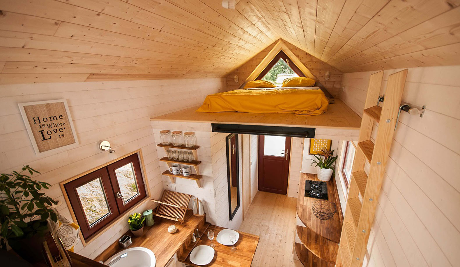 fully furnished tiny house from france easily fits a. Black Bedroom Furniture Sets. Home Design Ideas