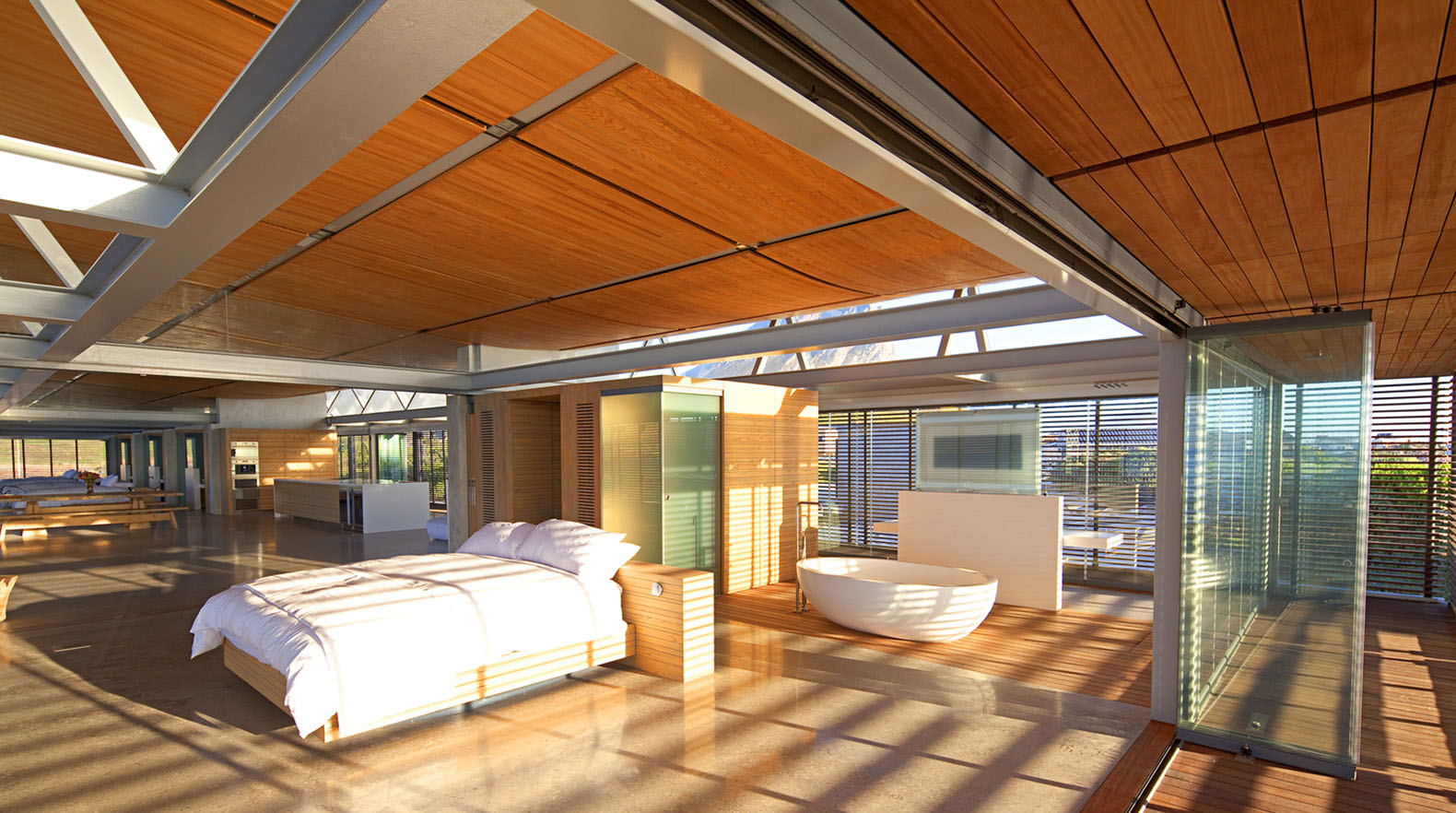 Cape town beach home controls natural light with powerful for Beach house design cape town