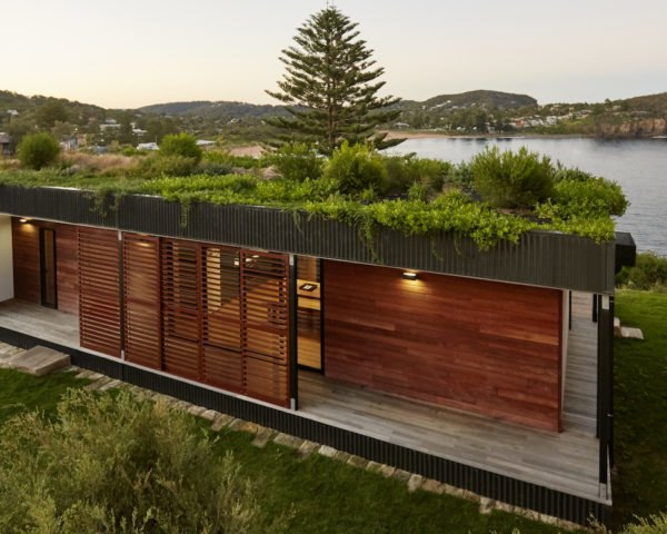 Avalon House by Archiblox, prefab architecture in New South Wales, home built in six week, prefab green roofed homes, modular homes in New South Wales