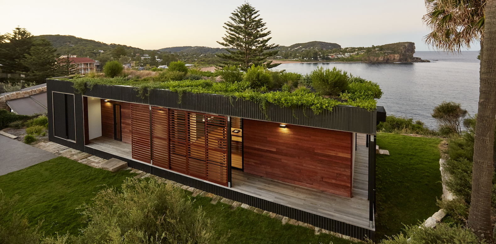 Eco-friendly Avalon House is a green-roofed beach getaway that takes only 6 weeks to build