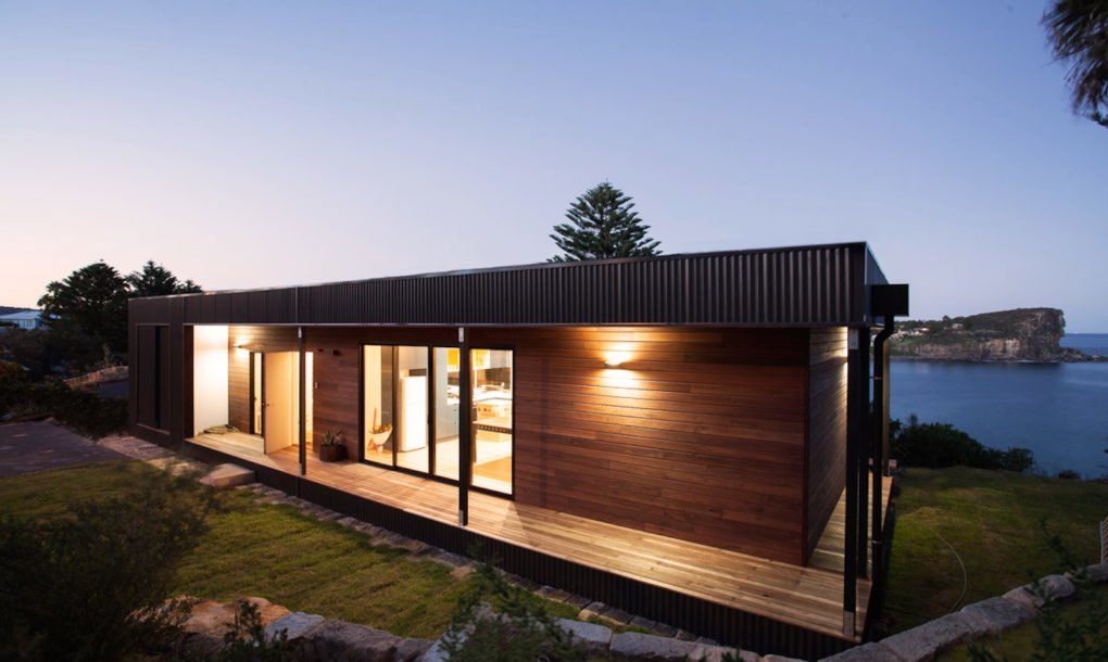 eco friendly avalon house is a green roofed beach getaway that takes only 6 weeks to build. Black Bedroom Furniture Sets. Home Design Ideas