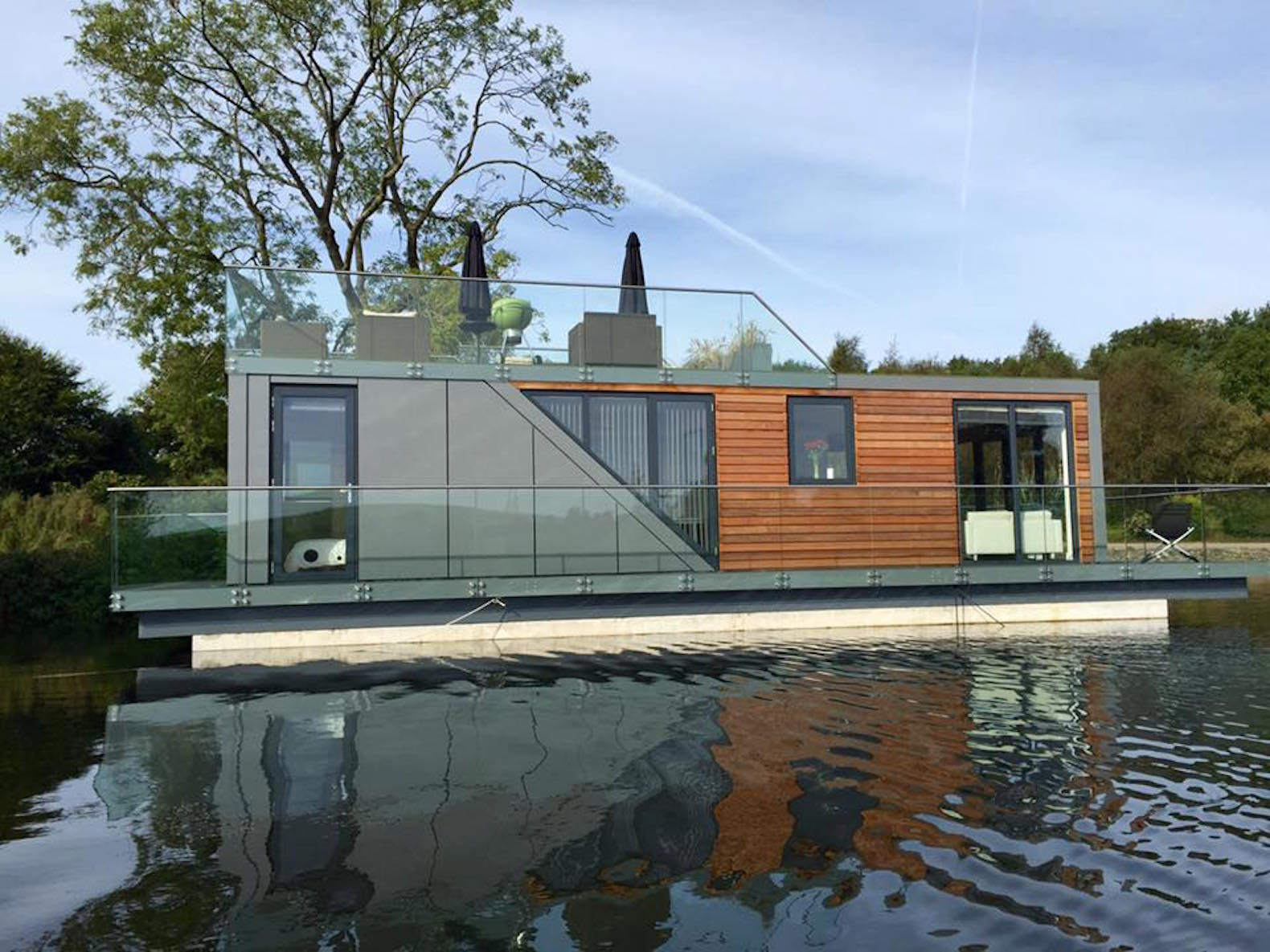 Beautiful Prefab Houseboats Let You Live On The Water With A Minimal Energy  Footprint Gallery