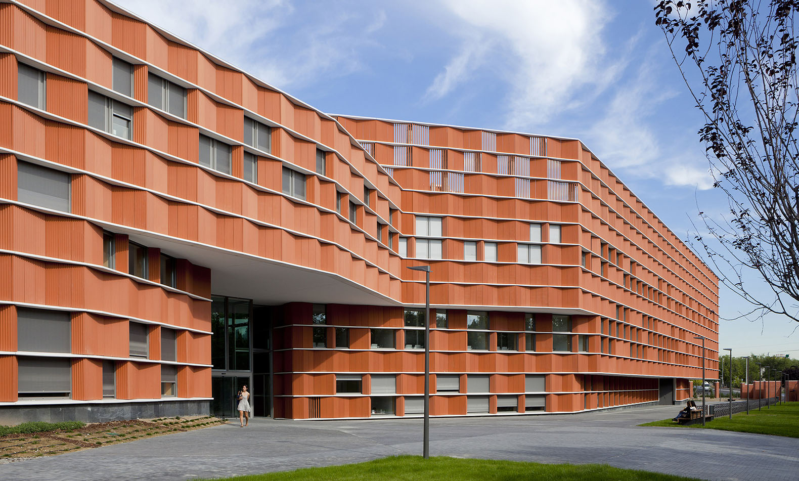 First of its kind university building in spain achieves for Leed building design