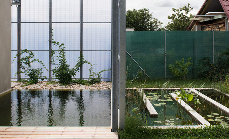 Casa en una Casa, House within a house, Plural architects, detached house, Slovakia, swimming pool, natural light, rear garden, storage spaces, green architecture
