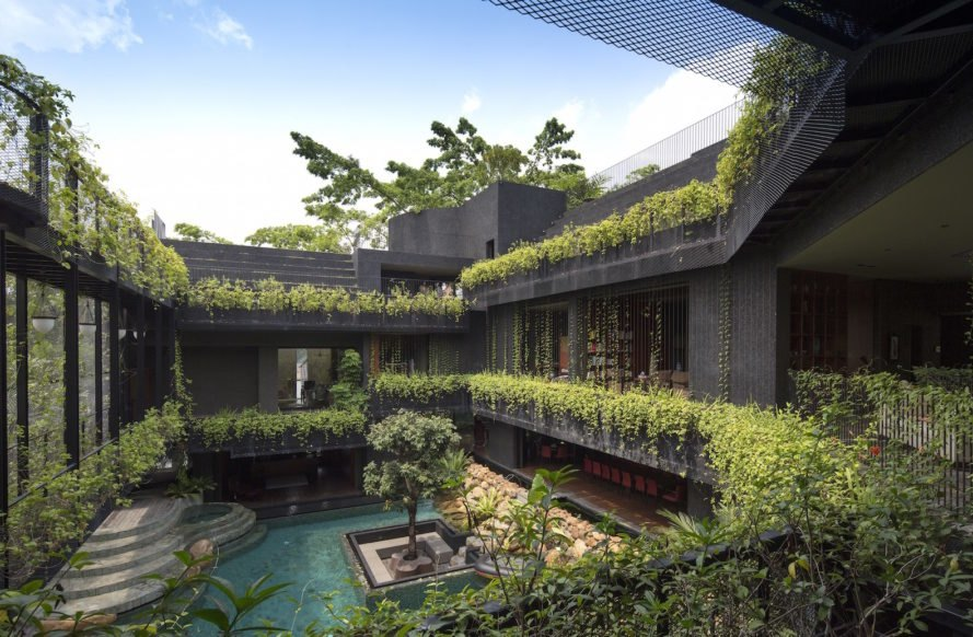 Cornwall Gardens by Chang Architects, Cornwall Gardens in Singapore, Cornwall Gardens multigenerational home, tropical paradise multigenerational home, green roof multigenerational architecture, multigenerational architecture in Singapore