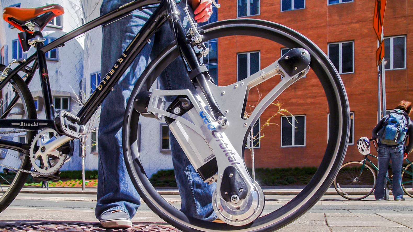 Electric design turns 22 - Swap In Wheel Converts Any Bike Into An Electric Within 60 Seconds
