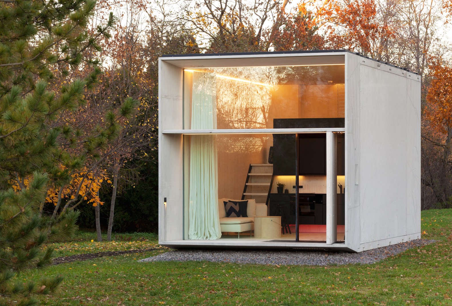 KODA Is A Tiny Solar Powered House That Can Move With Its Owners