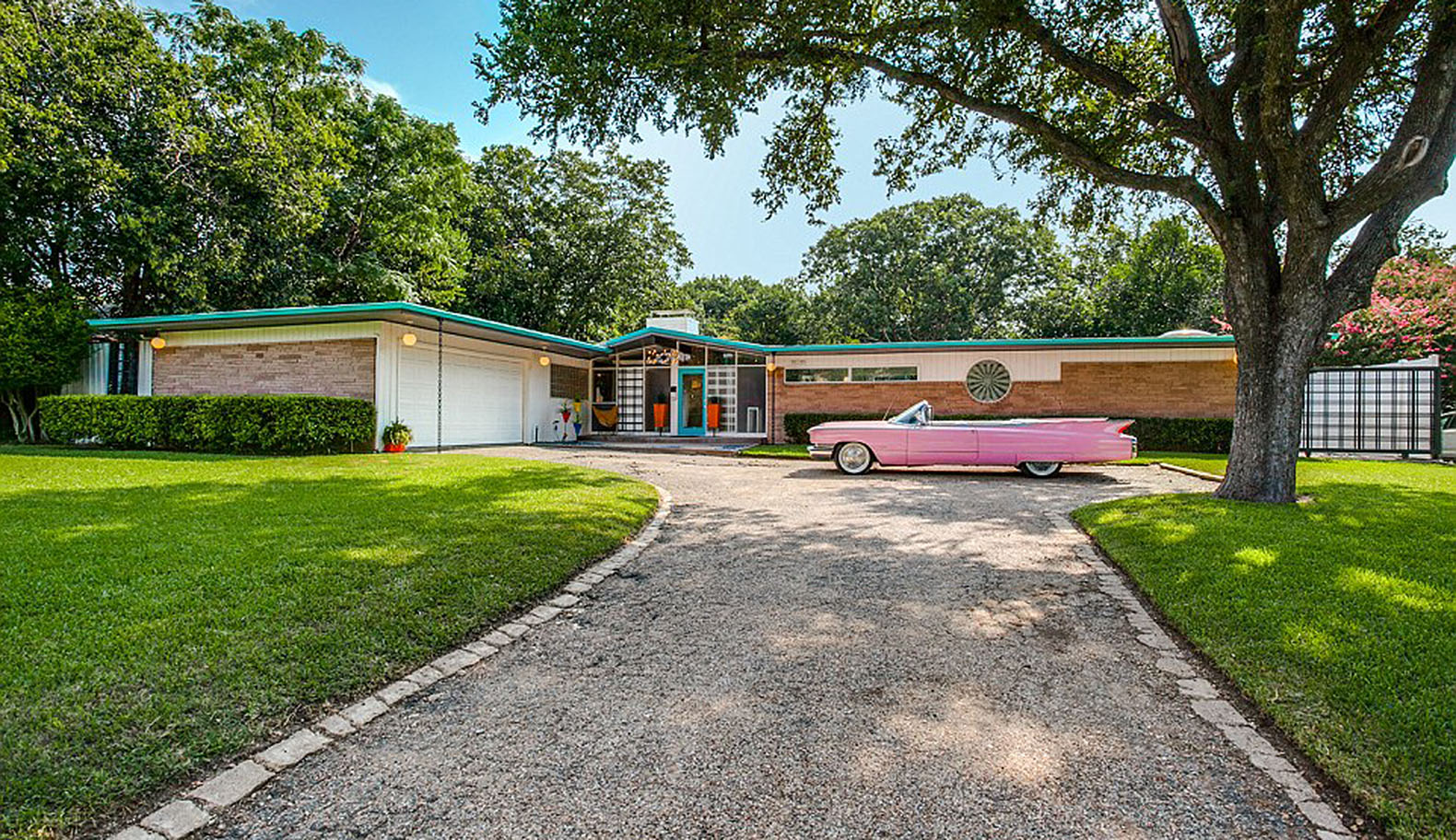 Charming Incredibly Preserved 1950s Time Capsule House In Dallas Could Be Yours
