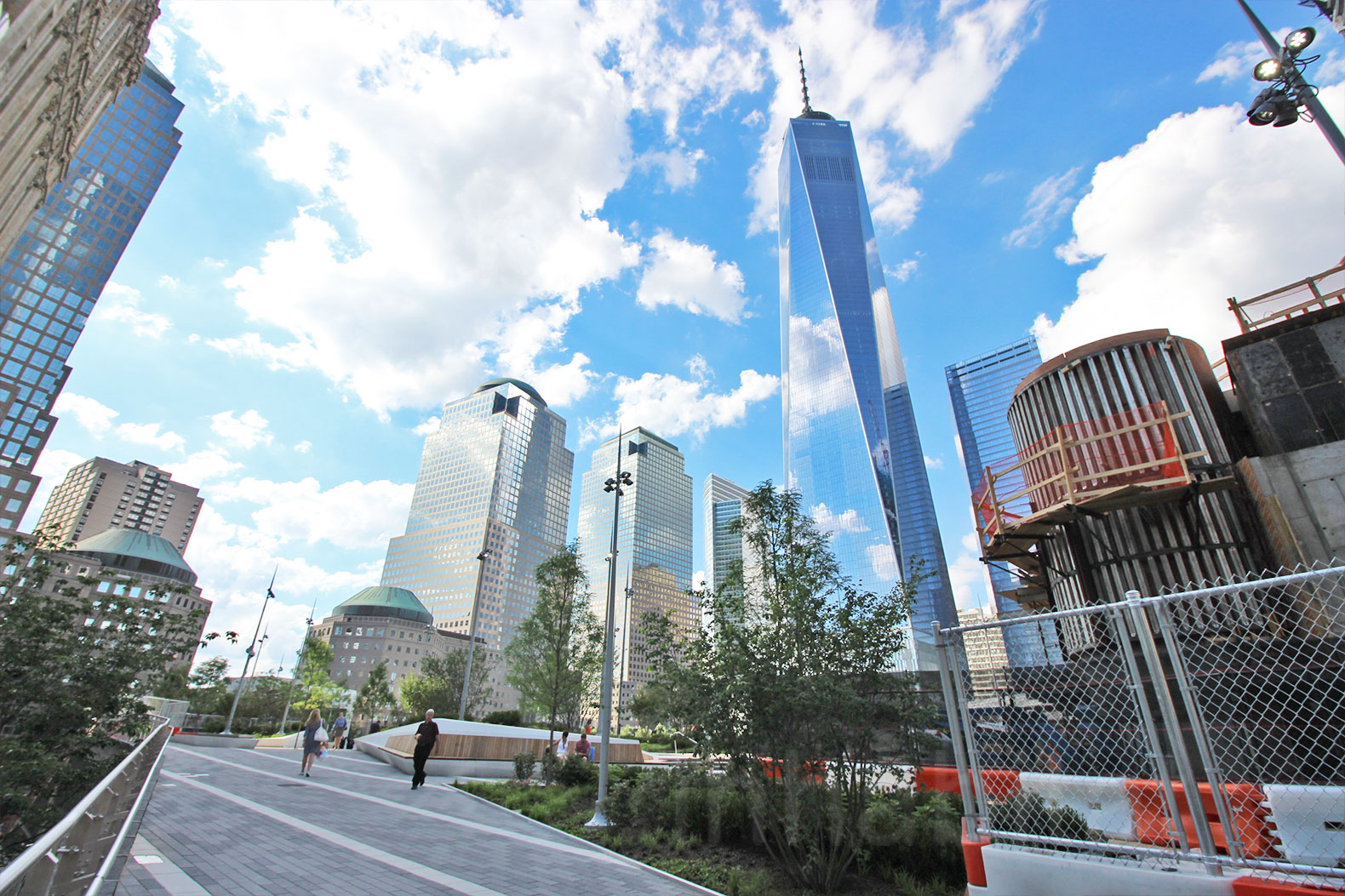 One world trade center achieves leed gold certification for Certified building designer