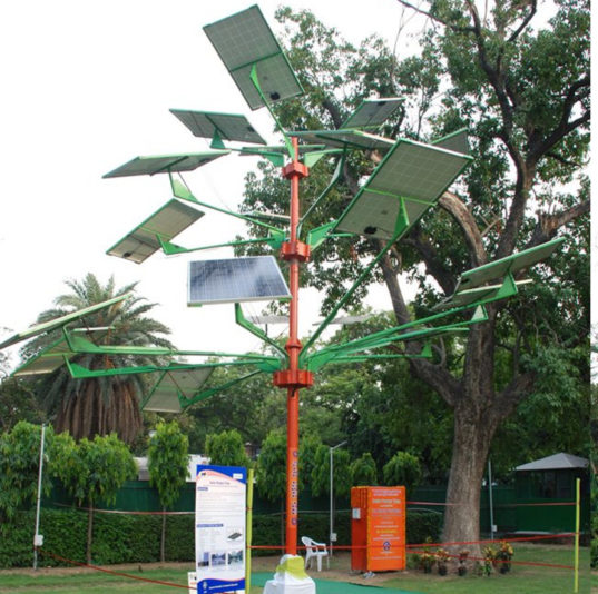 India S New Solar Power Tree Can Light 5 Homes In Just 4