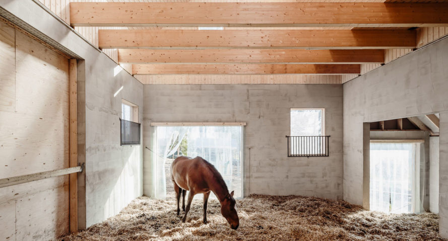 Stable Kekkapää, POOK Architects, horse stable, Finland, ventilation, gabled roof, green architecture, natural building materials, conifers, green cladding