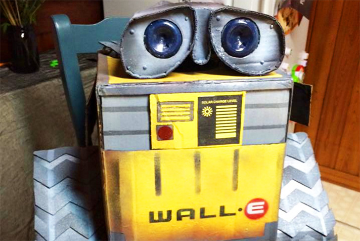 Wall-E the Robot Recycled Halloween Costume, DIY Halloween costume, green halloween costume, eco halloween costume