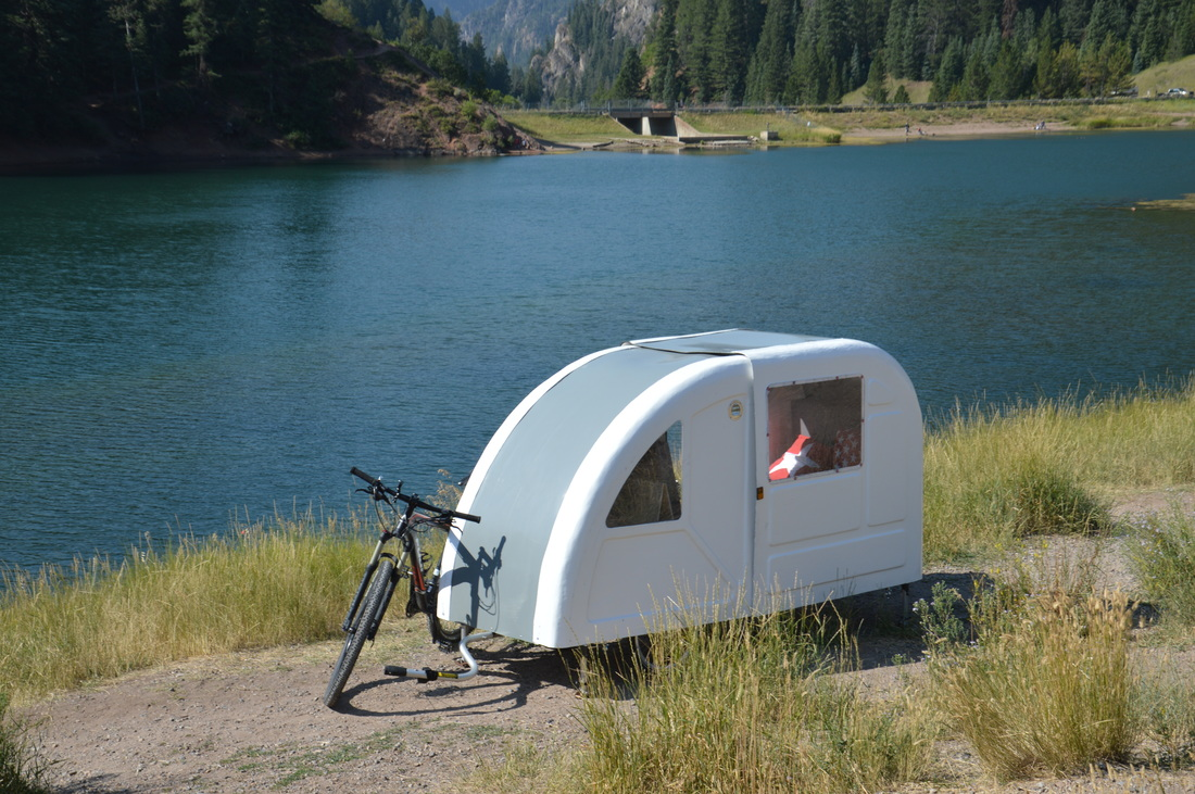 Foldable Wide Path Camper Is A Whole Different Kind Of Bike Trailer