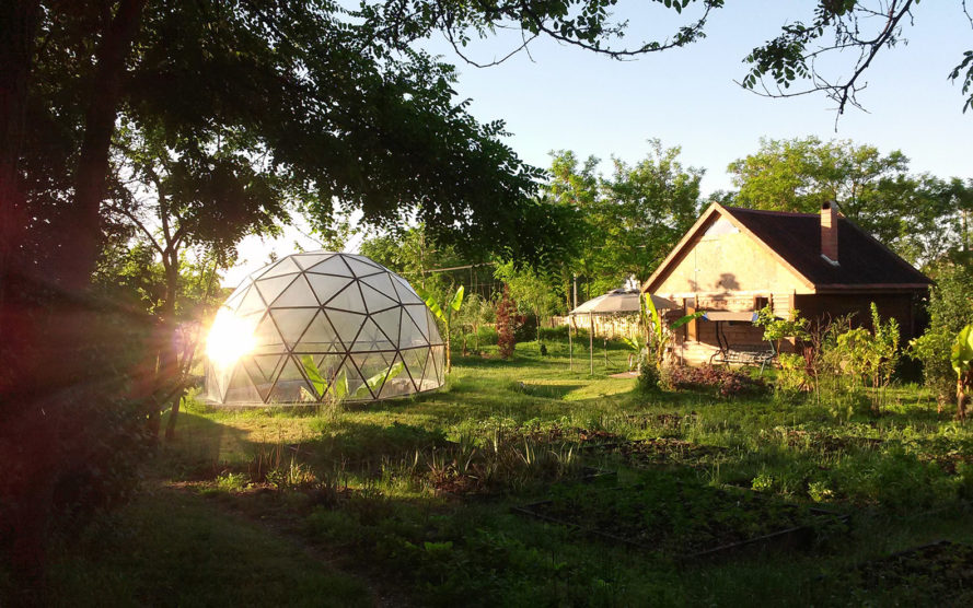 geodesic domes, romanian dome home, romania, dome home 8.5 richter scale, Biodome Systems SRL, disaster-proof dome homes, romania dome home, geodesic dome home romania