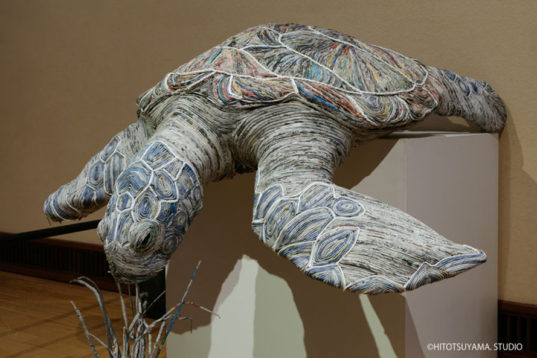 Chie Hitotsuyama Iguana Closeup Inhabitat Green Design - Japanese artist tightly rolls newspapers to craft incredibly accurate animal sculptures