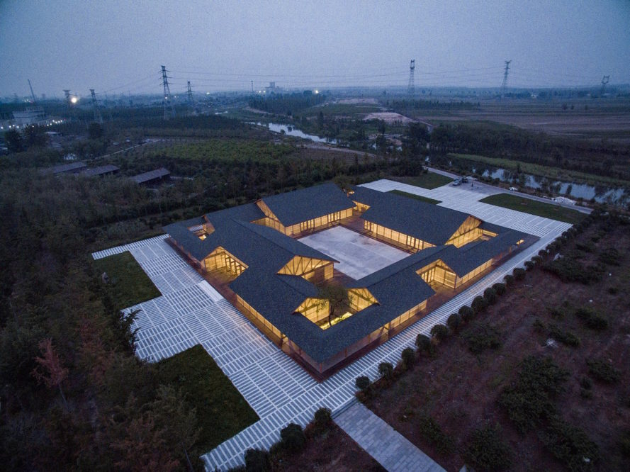 Organic Farm by ARCHSTUDIO, food processing plant in Hebei, beautiful food processing plant, hutong-style food processing plant, modern hutong, contemporary courtyard architecture, polycarbonate and timber architecture
