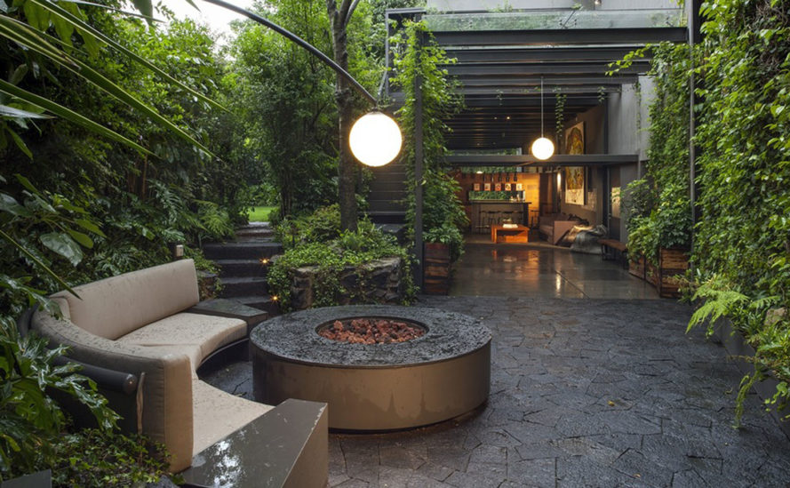 Casa O, Despacho Arquitectos HV, luxury residence, Mexico City, inner garden, green architecture, timber, stone, stone facade