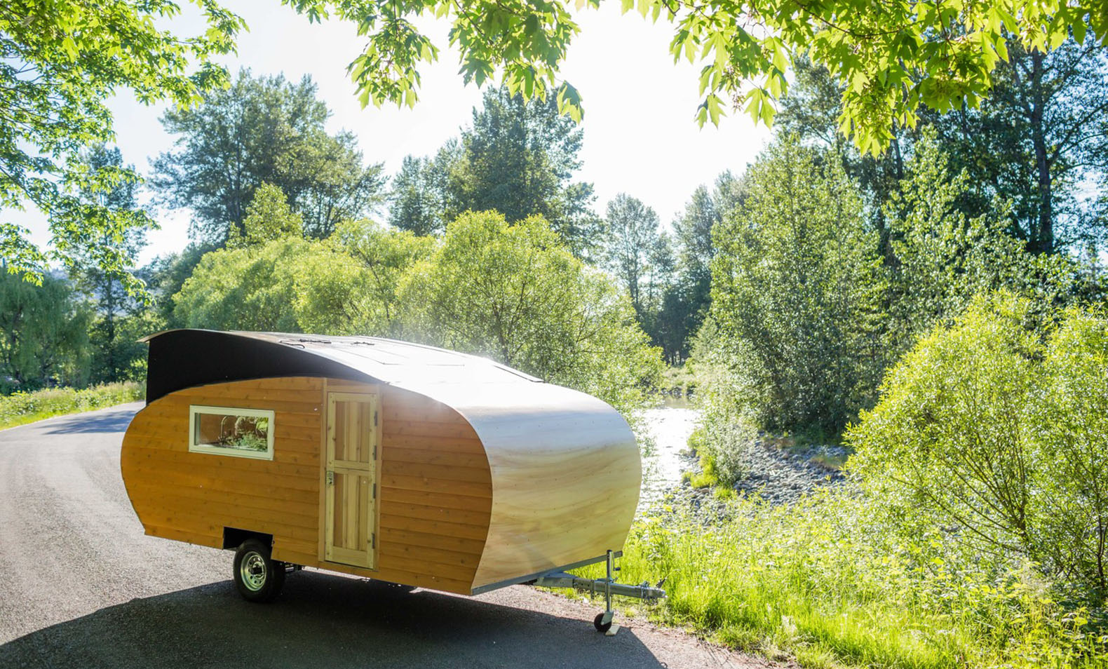Solar powered homegrown trailers weigh in at just 2 500 for Solar panels for 2500 sq ft home