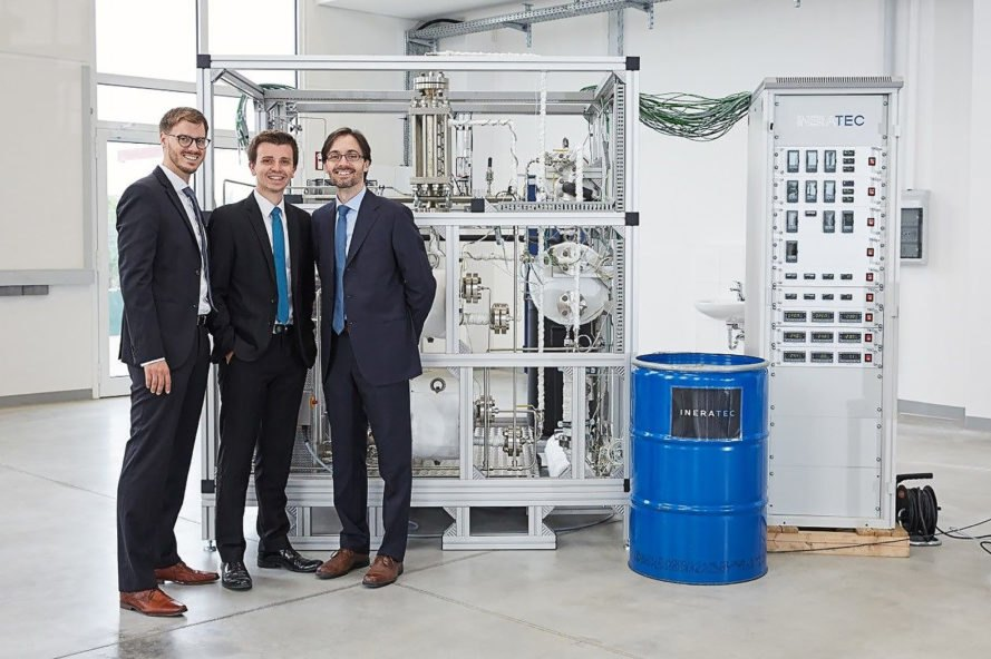 Ineratec, Karlsruhe Institute of Technology, Soletair Project, reactor, compact reactor, portable reactor, carbon dioxide, carbon dioxide into fuel, liquid fuel, fuel, solar, solar power, solar energy, alternative energy, energy