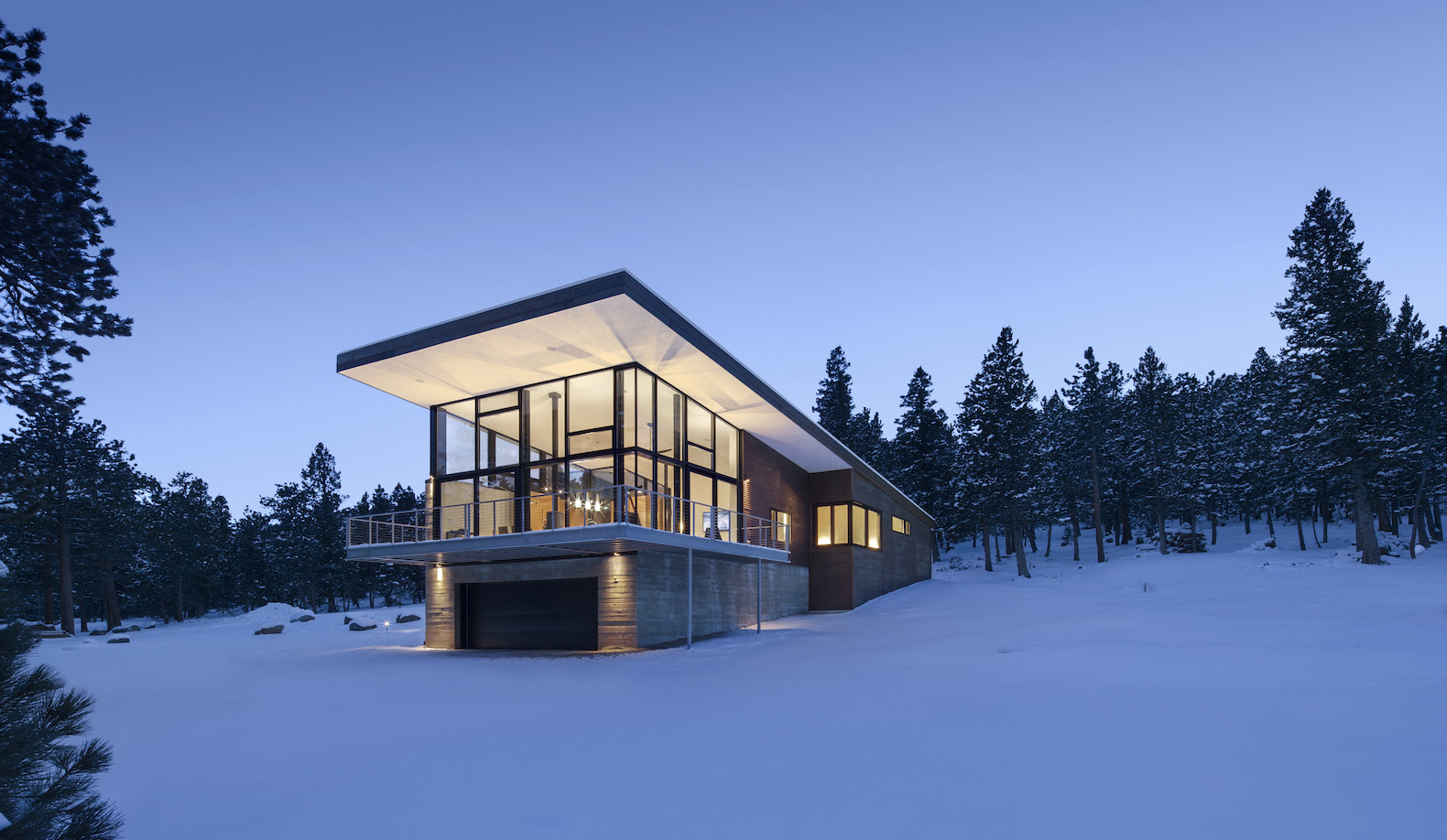 Modern lodge in the Rocky Mountains produces as much energy as it consumes
