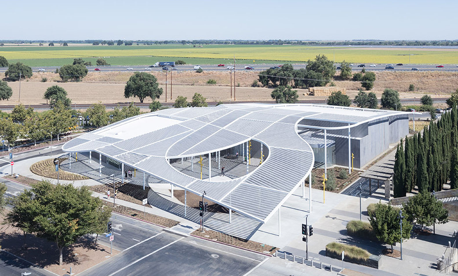 manetti shrem museums 50000 square foot canopy was inspired by the agrarian landscape