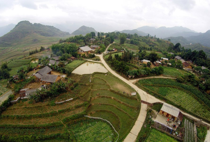 Swallow Homestay and Community House by 1+1>2 Architects, Swallow Homestay and Community House by Caritas, Swallow Homestay and Community House in Nam Dam, Swallow Homestay and Community House in Ha Giang, Ha Giang homestay, Nam Dam homestay, rammed earth house in Ha Giang,