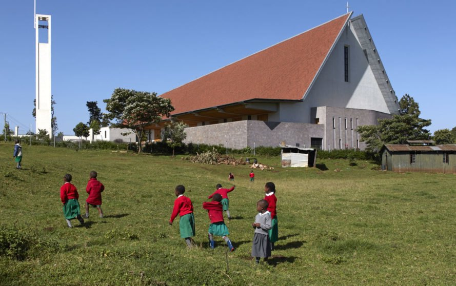 Kericho Cathedral, Kenya, John McAslan + Partners, timber, undulating roof, green architecture, natural ventilation, natural light, religious architecture, Cypress, timber