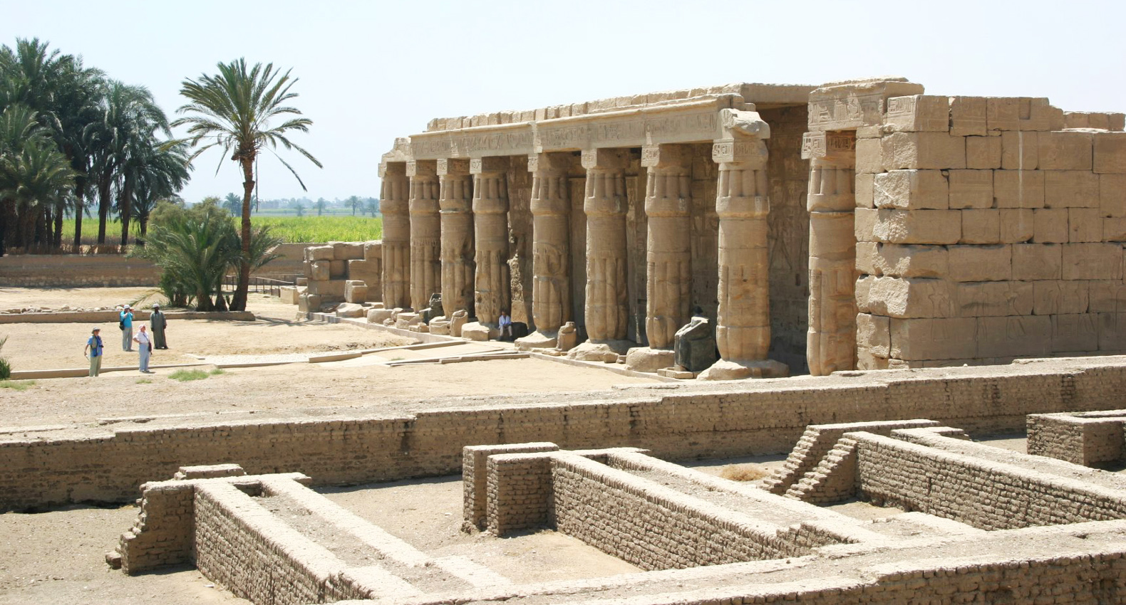 Archaeologists discover ancient lost city in Egypt