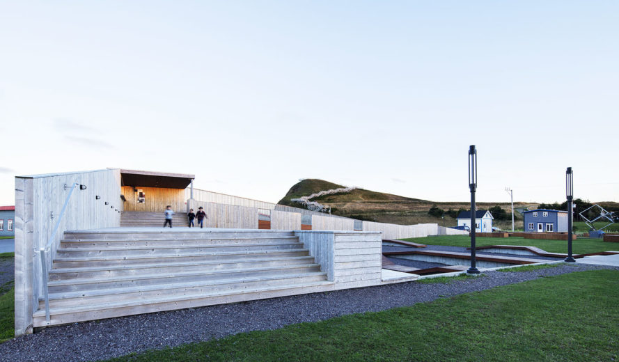 Place des Gens de Mer, Bourgeois / Lechasseur architectes, public space, gathering spaces, Canada, cedar, plywood building in Canada, revitalization, green architecture