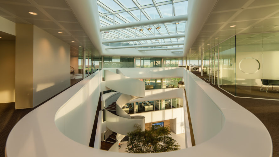 Vreugdenhil office by Maas Architecten, triangular office building, BREEAM-NL office building, BREEAM-NL Outstanding architecture, energy efficient dutch office,