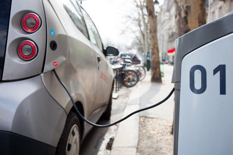quiet car rule, electric vehicles make noise so pedestrians don't get hurt, electric vehicles, hybrid vehicles, electric car, safety, quiet, silent