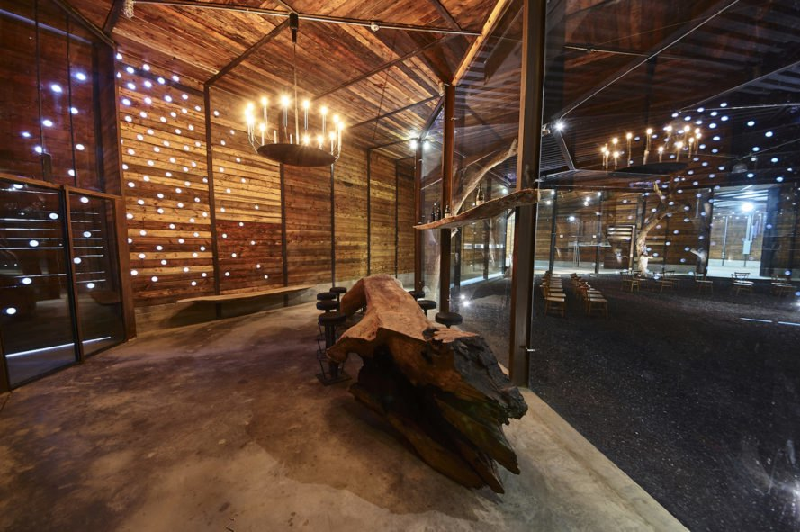 BRUMA winery building, BRUMA winery in Mexico, BRUMA Winery in Guadalupe valley, BRUMA winery by TAC Taller de Arquitectura Contextual, winery built below ground, winery with rammed earth, BRUMA winery by TAC, winery made from natural materials