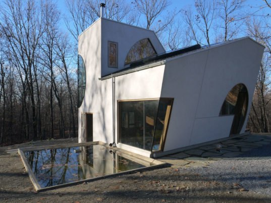 The Ex House by Steven Holl Architects is a solarpowered artist