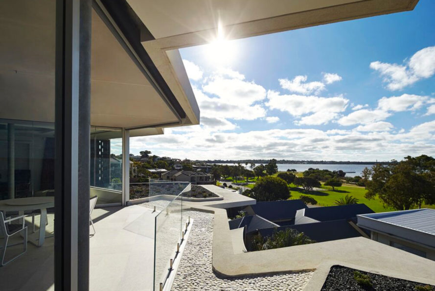 Iredale Pedersen Hook, bricked house, Applecross Residence, Perth, Australia, Swan River, filter excessive natural light, glazed bricks, geothermal energy, geothermal chimeney