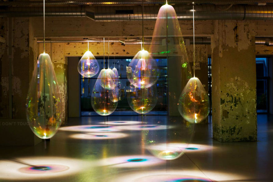 Martens & Visser, Jetske Visser, Michiel Martens, floating soap bubbles, Reflecting HOLONS, Dutch Design Week 2016, Artspace MU, Glow Festival 2015, light reflecting art, Eindhoven, Dutch design