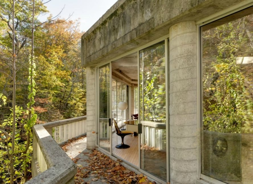 John Black Lee, skylight home, the Sixth of the Harvard Five, Silvermine River home, 160 Mill Road, new canaan, connecticut real estate, modernist architects, glass home design, New Canaan glass homes, New Canaan architecture, brutalist character, glass and concrete homes,