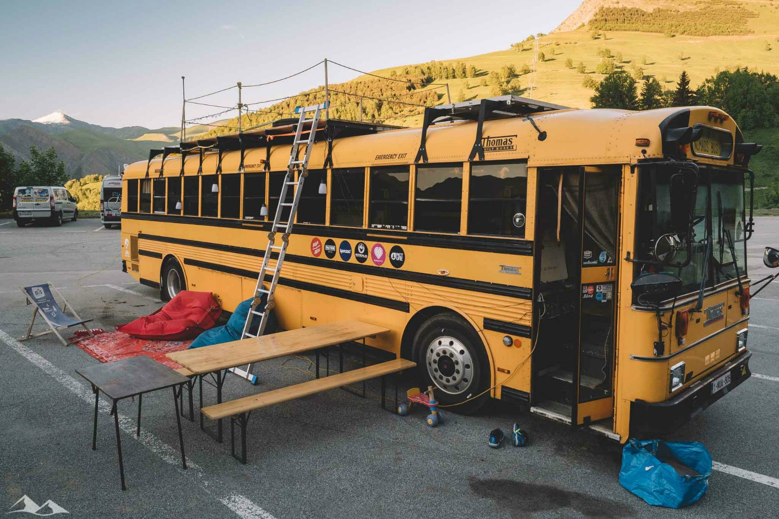 Traveling Family Renovates Old School Bus As Both Solar