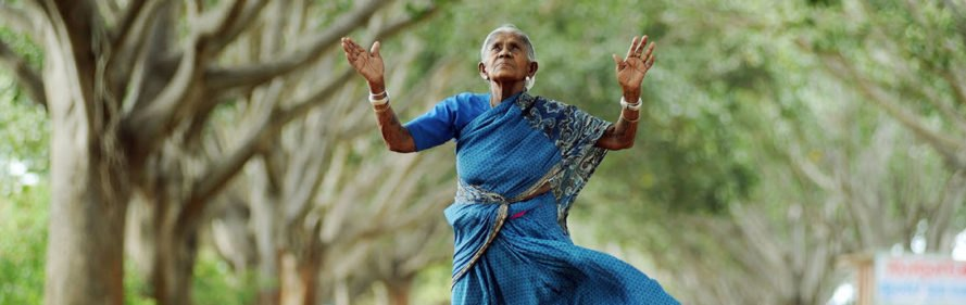 Saalumarada Thimmakka, Saalumarada Thimmakka International Foundation, 105-year-old woman plants trees, Indian woman planting trees, woman planting trees, Indian woman environmentalist, planting trees India, environmentalist who plants trees, conserve environment trees